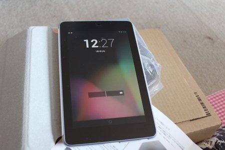 後悔はさせません!7インチタブレット買うならGoogleが作った NEXUS7を買っておきましょう。